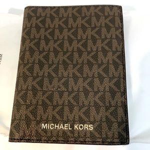 Michael Kors Travel Passport Wallet Brown/Acorn